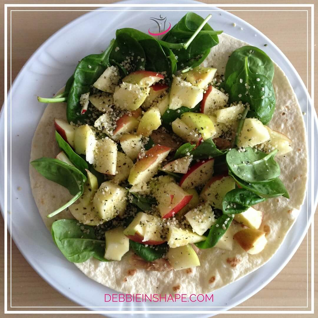 Apple and Spinach Vegan Salad on a Wrap. Check recipe on the blog!