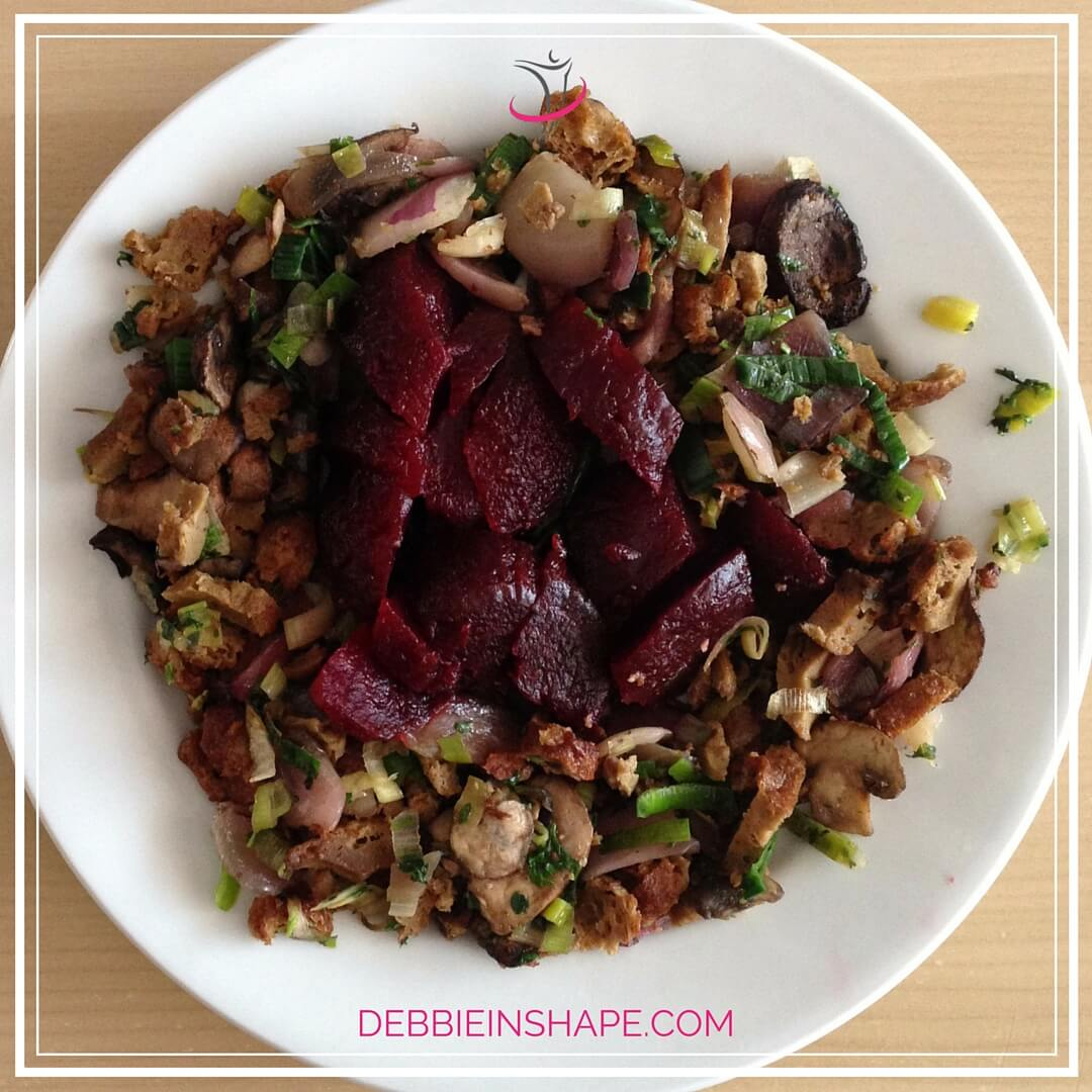 Beets, Tofu and Mushroom Vegan Salad. Check recipe on the blog!