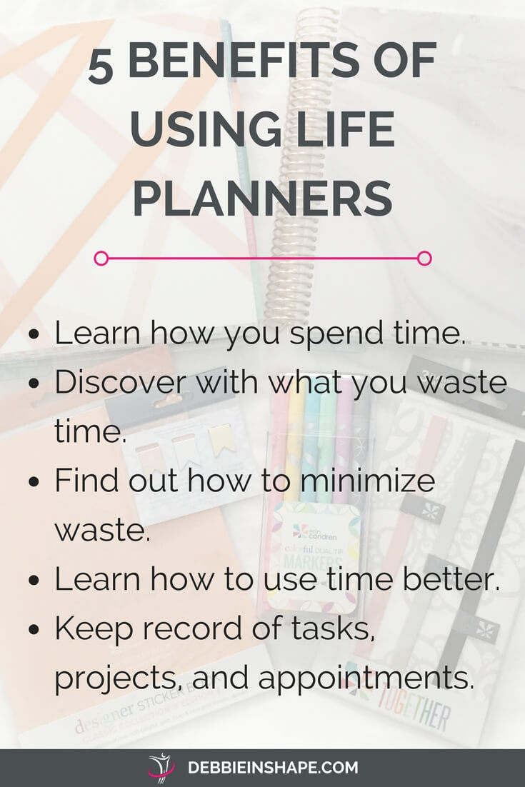Discover why you need paper planners to be more efficient. Get more done and stay focused also when you are away from your computer or don't have Internet access. Learn how I use my life papers to be productive and grab my FREE Daily Planning Checklist to stay on track too. Join my VIP Tribe for accountability, support, and motivation. #productivity #confidence #success #planning