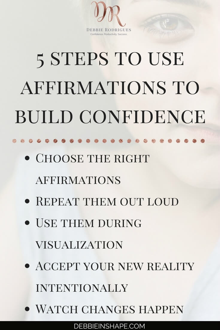 How to overcome fear with positive affirmations without feeling overwhelmed. Learn all about it on the blog. Includes a list of 30 affirmations you want to check out right away and take with you wherever you go. #productivity #confidence #success #journaling #affirmations