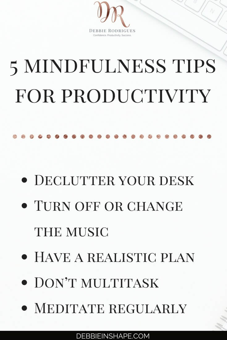 How to apply mindfulness to be more efficient. Discover the benefits of being present in the moment to achieve your goals without feeling stressed and overwhelmed all the time. Join my FREE VIP Tribe and get all the support you need to become a better version of yourself. #productivity #confidence #success #journaling #mindfulness